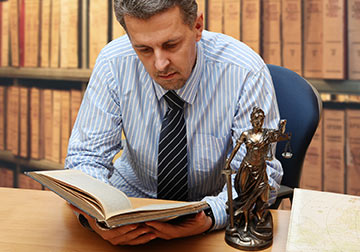 Lafayette Personal Injury Lawyers will find the right expert witnesses for your case.